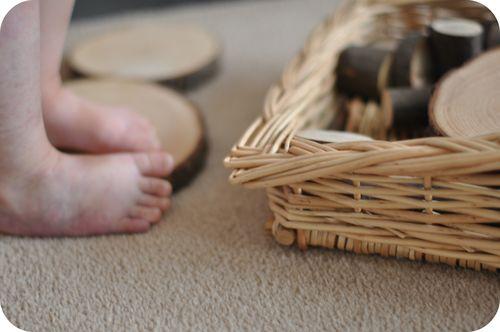 L's feet