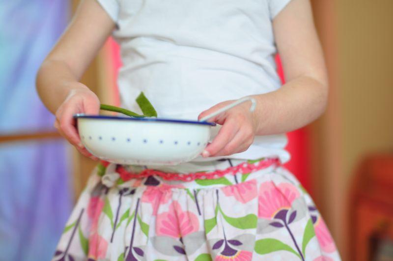 White enamel play bowl